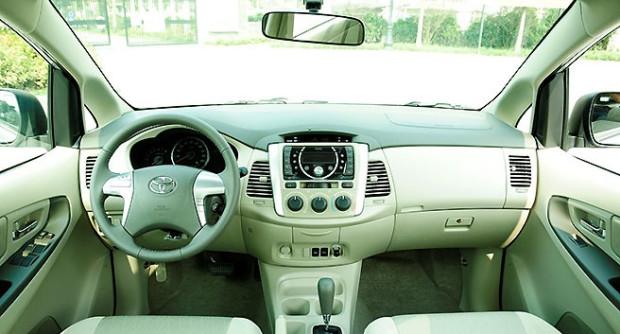 cho-thue-xe-Toyota Innova-7-cho-gia-re-3